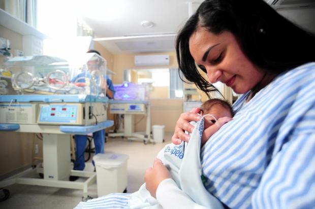 Iniciativa de estudante devolve autoestima às mães da UTI Neonatal, em Caxias Felipe Nyland/Agencia RBS