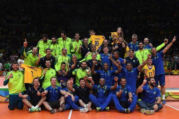 Brasil é campeão olímpico de vôlei masculino e Éder Carbonera é o primeiro medalhista de ouro da Serra Gaúcha Kirill KUDRYAVTSEV,AFP/AFP