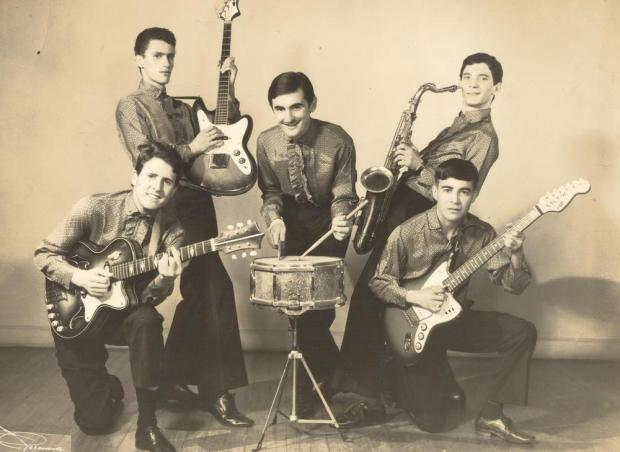 Conjunto musical Os Pedreiros em 1967 Studio Geremia/Acervo pessoal de Eloy Teixeira,divulgação