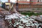 Muro desaba e provoca temor de acidentes em Caxias do Sul Simone Ave Frizon/Divulgação
