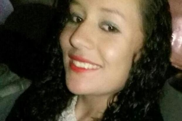 """""""Estamos perdidos, sem chão"""" diz padrasto de jovem morta ao sair de festa, em Caxias Facebook/Reprodução"""