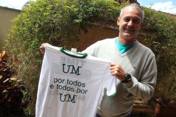 Técnico do último acesso do Juventude, Lisca se junta à torcida para a decisão contra o Fortaleza Tadeu Vilani/Agencia RBS