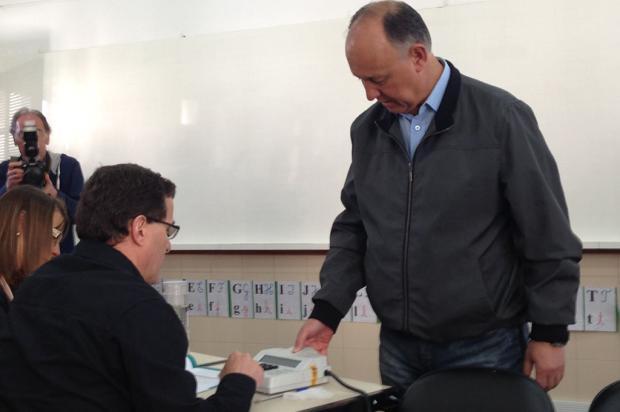 Pepe Vargas é o primeiro candidato a votar em Caxias do Sul Diego Mandarino / Gaúcha Serra/Gaúcha Serra