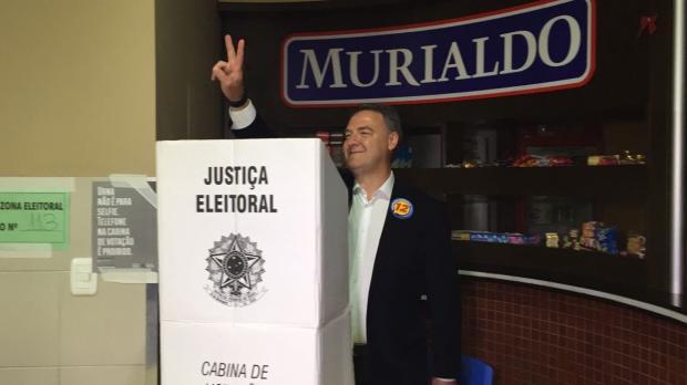 Edson Néspolo é o quarto candidato a votar em Caxias do Sul André Fiedler/RBS