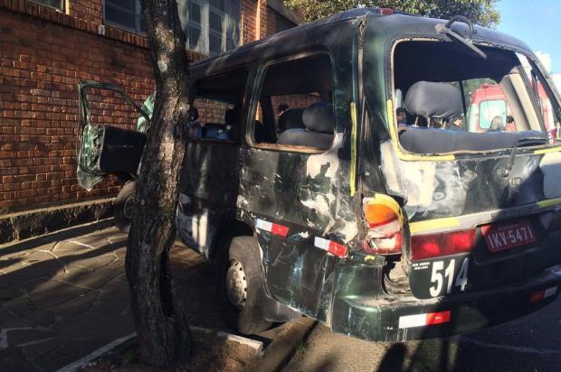 Van escolar envolvida em acidente não poderia circular, diz secretário de transportes de Caxias André Fiedler/Agência RBS