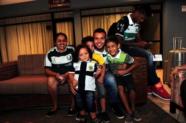 Natural de Fortaleza, atacante do Juventude Romarinho conta com o apoio da família na Arena Castelão Porthus Junior/Agencia RBS