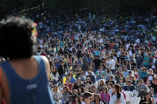 Domingo de sol atrai centenas na UCS e na Feira do Livro, em Caxias Marcelo Casagrande/Agencia RBS