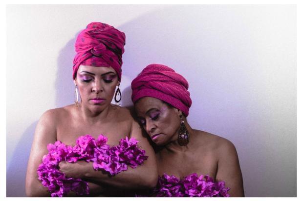 3por4: Outubro Rosa é tema de ensaio do Clube do Fotógrafo Carolina Fhingler/Divulgação