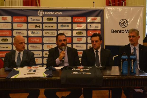 Bento Vôlei confirma participação na Superliga e Paulão será diretor executivo da equipe Janquiel Mesturini / Bento Vôlei, divulgação/Bento Vôlei, divulgação