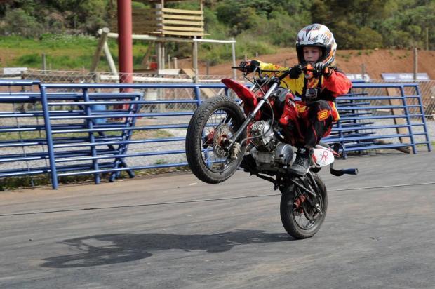 Menino caxiense é destaque em manobras radicais sobre rodas Marcelo Casagrande/Agencia RBS
