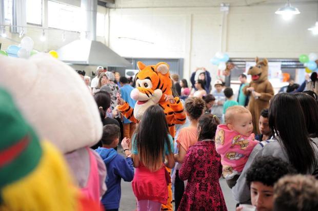 Festa no Jardelino Ramos alegra feriado de centenas de crianças em Caxias Felipe Nyland/Agencia RBS