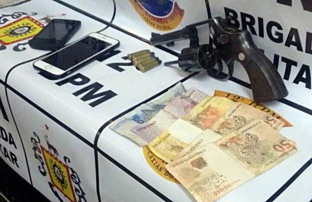 BM prende homem em prisão domiciliar com veículo roubado em Caxias do Sul Brigada Militar / divulgação/divulgação