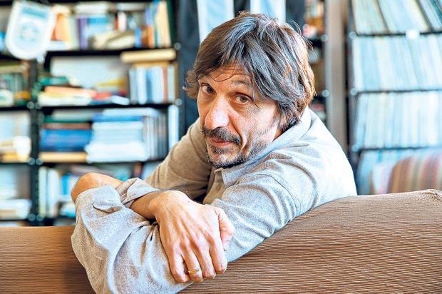 Eduardo Bueno conversa com leitores na Feira do Livro de Caxias Júlio Cordeiro / Agência RBS/Agência RBS