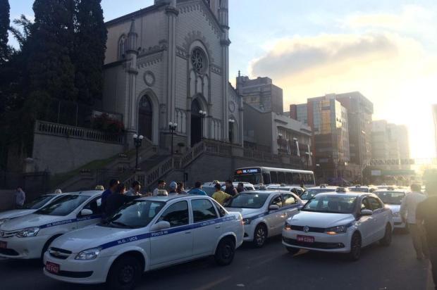 Taxistas voltam a protestar por mais segurança no Centro de Caxias Andrei Andrade/agência rbs