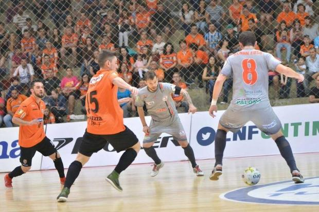ACBF perde nos pênaltis para o Floripa em Carlos Barbosa e acaba eliminada da Liga Futsal Ulisses Castro/ACBF