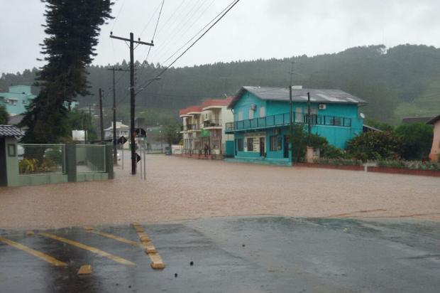 Cidades da Serra continuam sendo afetadas pela chuva Bombeiros Voluntários de Bom Princípio / Divulgação/Divulgação