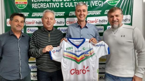 Tiago Nunes é o novo treinador do Veranópolis para o Gauchão 2017 Luana Trentin / VEC/ Divulgação/VEC/ Divulgação
