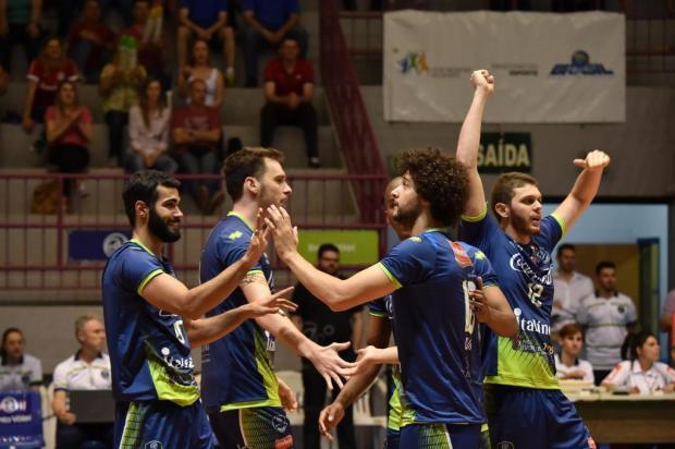 Bento Vôlei comemora a primeira vitória em sua estreia em casa na Superliga Nacional Enio Bianchetti/Conceitocom Brasil/Divulgação