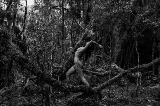 """Fotógrafo Ale Ruaro lança o livro """"Naked Friends"""" nesta quarta, em Caxias do Sul Ale Ruaro/divulgação"""