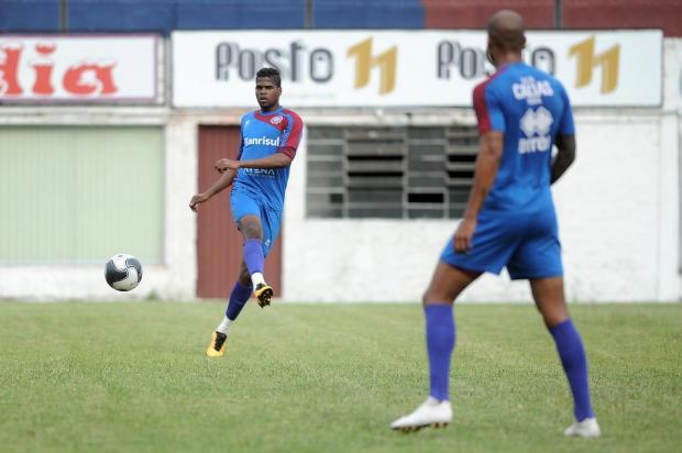 Caxias deve mudar dupla de zaga titular para primeiro jogo diante do Inter B na Supercopa Gaúcha Felipe Nyland/Agencia RBS