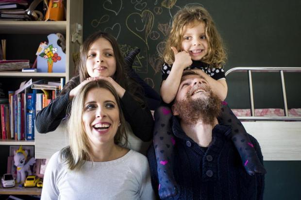 """3por4: Ana Cardoso fala sobre o livro """"Mamãe É Rock"""", em Caxias Mateus Bruxel/Agencia RBS"""