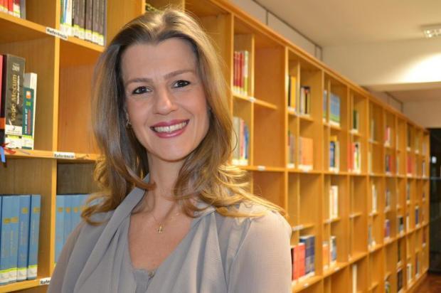 Escritora e pesquisadora gaúcha Simone Simon dá dicas sobre como negociar Arquivo pessoal/Divulgação
