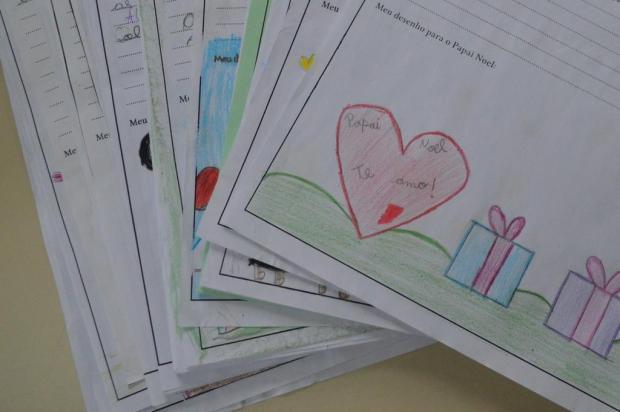 Em cartas ao Papai Noel, crianças pedem material escolar, roupas e calçados em Flores da Cunha Prefeitura de Flores da Cunha/Divulgação
