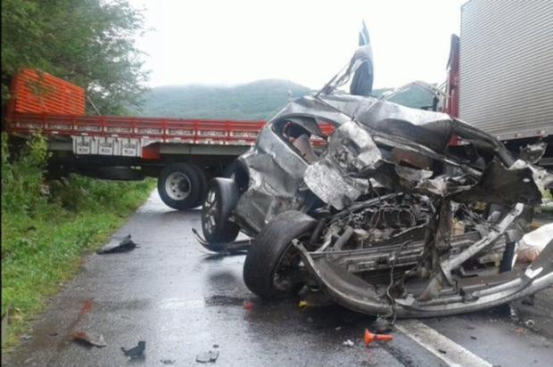 Carro de Nova Petrópolis se envolve em acidente com morte na Rota do Sol, em Itati  Divulgação / Comando Rodoviário da BM/