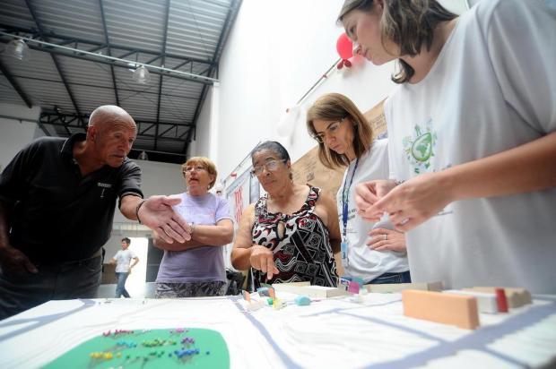 Projeto da UCS convida moradores do Euzébio Beltrão de Queiróz, em Caxias do Sul, a refletir a própria comunidade Felipe Nyland/Agencia RBS