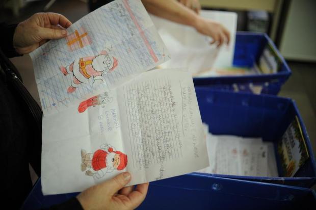 Bonecas, carrinhos e bicicletas são itens mais pedidos ao Papai Noel dos Correios de Caxias Diogo Sallaberry/Agencia RBS