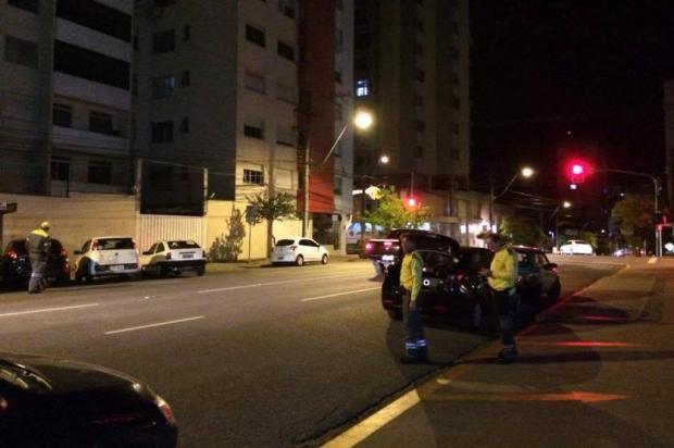 Fiscalização de trânsito da prefeitura de Caxias multa motoristas do Uber Cristiane Barcelos/Agência RBS