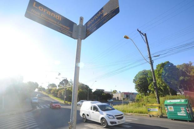 Moradores do Cruzeiro, em Caxias, pedem a instalação de sinaleira em esquina perigosa Felipe Nyland/Agencia RBS