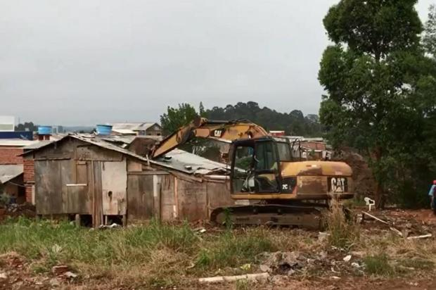 Remoção de casas no Vila Amélia II, em Caxias do Sul, é concluída de forma pacífica André Calai/divulgação