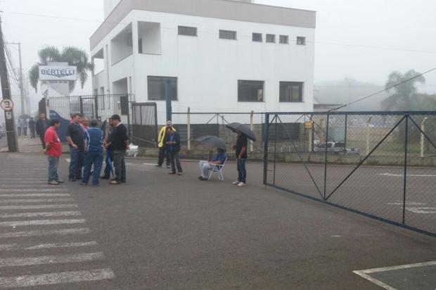 Trabalhadores da Guerra SA, em Caxias, voltam a protestar Diozer Carvalho / Divulgação/Divulgação