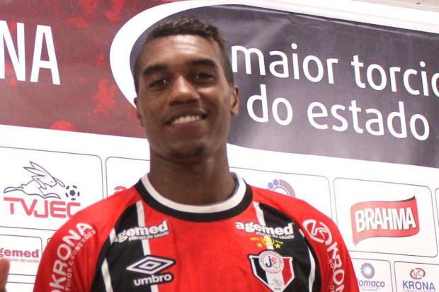 Revelado pelo Caxias e com passagens por Inter, Botafogo e Joinville, meia-atacante Murilo reforça o Juventude Assessoria do JEC/Divulgação
