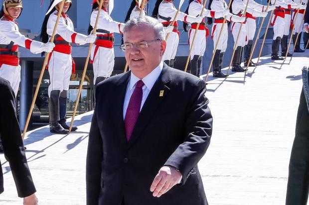 Corpo de embaixador grego percorreu mais de 300 km antes de ser carbonizado Marcos Corrêa/Presidência da República