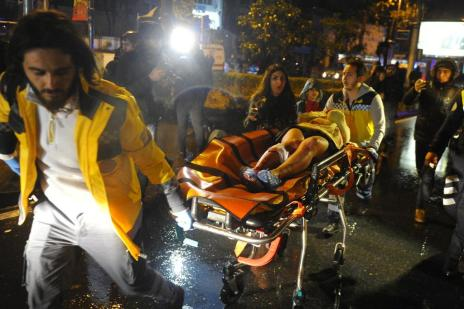 Ataque a discoteca de Istambul deixa ao menos 39 mortos (AFP PHOTO/IHLAS NEWS AGENCY)