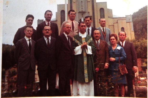 Padres na história da igreja de Galópolis Foto Muner/Divulgação