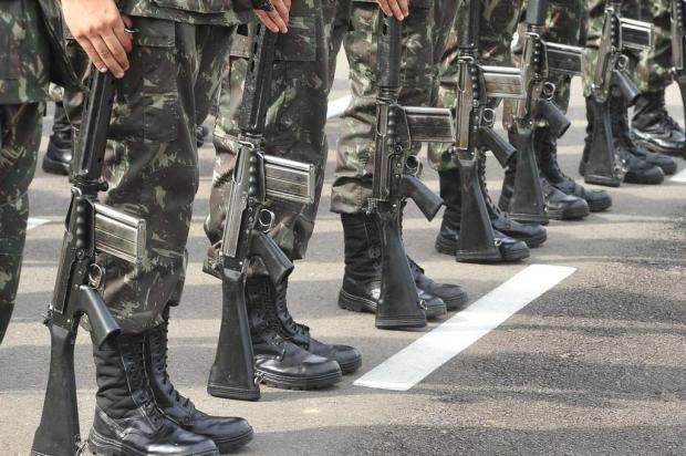 Jovens brasileiros que completam 18 anos em 2018 têm até junho para fazer alistamento militar Jean Pimentel/Agencia RBS