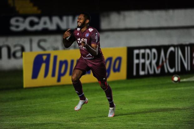 Cristiano Daros: Jajá ou Gilmar? O bom dilema do treinador grená Porthus Junior/Agencia RBS