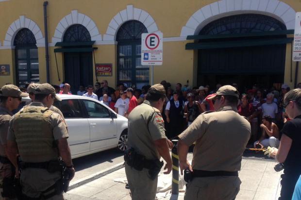 Homem é morto a tiros em frente ao Mercado Público, no Centro de Florianópolis Cristiano Estrela/Agencia RBS