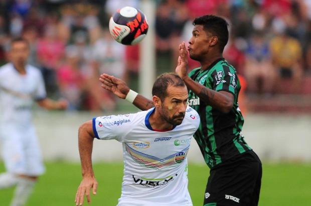 Com um a menos e pressionando até o fim, Juventude perde para o Veranópolis por 2 a 1 Porthus Junior/Agencia RBS