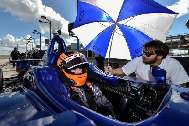 Gaúcho Matheus Leist estreia na Indy Lights em circuito de rua LLC Photo/Divulgação
