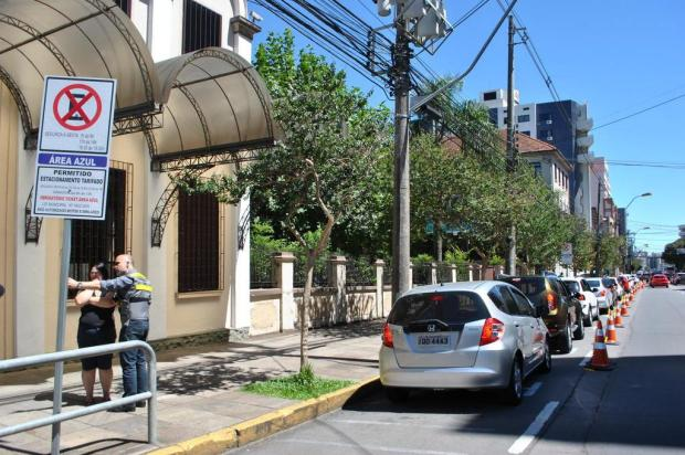 Estacionamento na Rua Os Dezoito do Forte, em Caxias, será proibido até as 19h Janaína Silva/divulgação