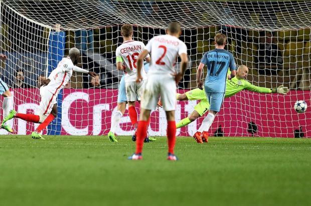 Maurício Reolon: Leicester e Monaco mostram que é possível brigar contra os gigantes Valery Hache/AFP