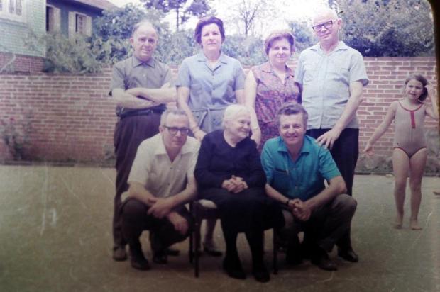 Família Comandulli em 1969 Acervo da Família Comandulli/Divulgação