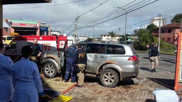 Homem fica ferido em acidente na BR-116, em Caxias do Sul PRF / divulgação/divulgação
