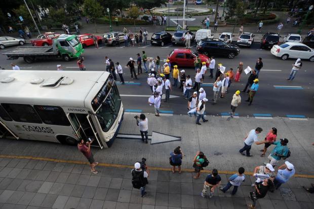 Semana começa sob tensão em Caxias com greves de médicos e no transporte Felipe Nyland/Agencia RBS