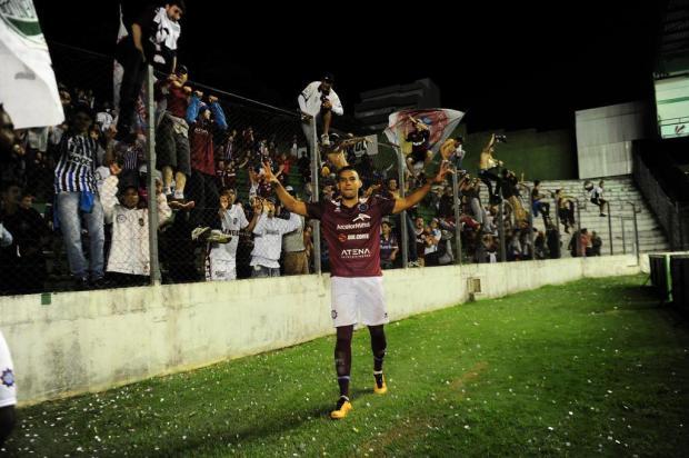 Provocação da torcida rival foi combustível para o Caxias vencer o clássico Porthus Junior/Agencia RBS
