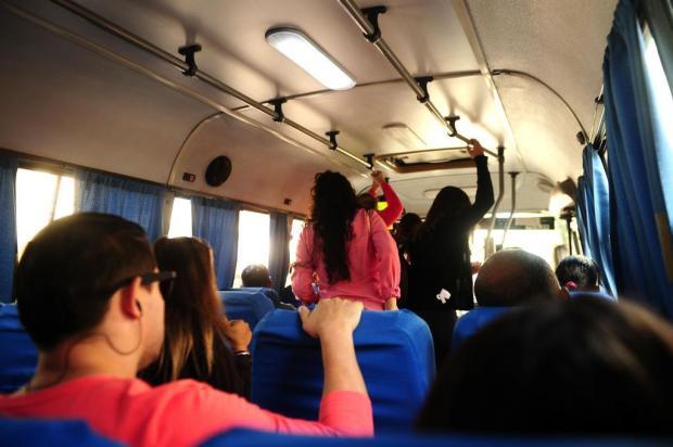 Procura por táxi e táxi-lotação é grande em Caxias do Sul Diogo Sallaberry/Agencia RBS